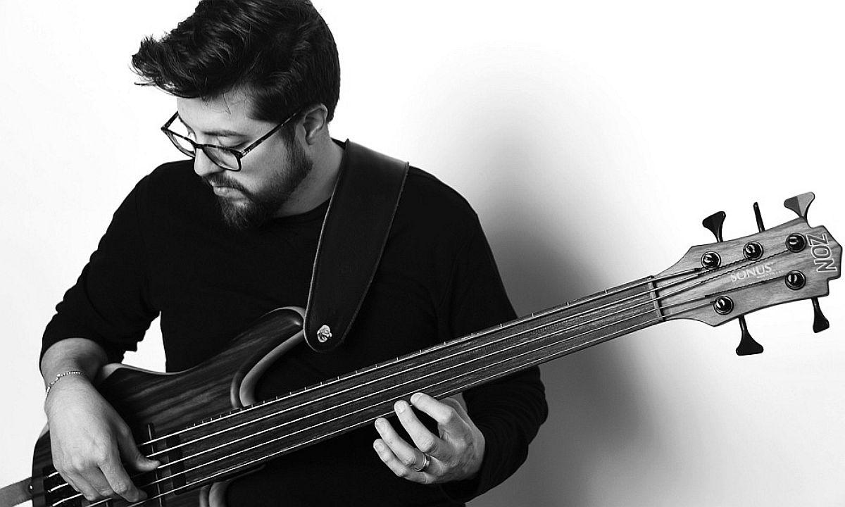 Bassist-Jeff-Densons_1200pix