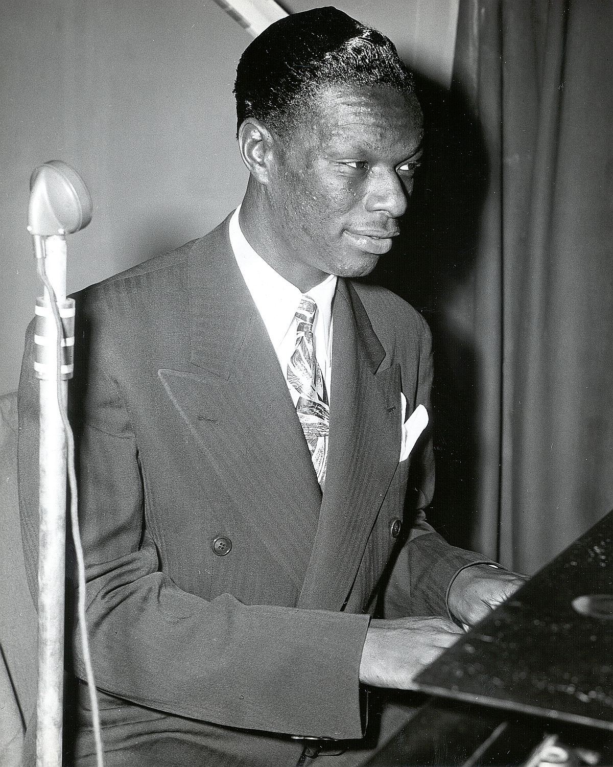 Nat King Cole - Hittin' The Ramp- The Early Years (193 - PHOTO Photo by Charlie Mihn. Courtesy of LaBudde Special Collections, UMKC University Libraries_1200